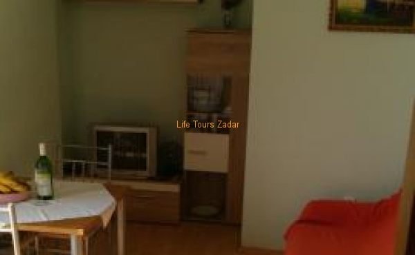 living and dining area (sat/tv, free wi-fi, sofa for 2)